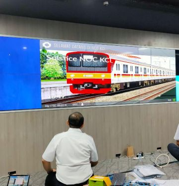Project Video Wall Kereta Commuter Indonesia